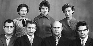 Новокуйбышевск. Группа Полянского<br /> (Полянский — второй справа).