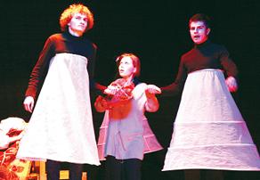Необычные танцы Студенческого театра