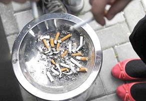 Обнинцы считают, что с курением в нашей стране надо бороться постепенно