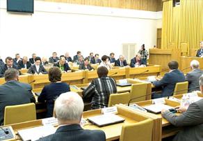 Губернатор Анатолий Артамонов с докладом о достижениях Калужской области