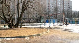 В этом дворе пострадала девочка (фото с сайта LivePro)
